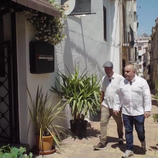 Churufita de postureo rural. - 📸 @leif___erikson #chulilla #terreta #paísvalencià #valencia #puentescolgantes #naturelovers  #comunidadvalenciana  #churufita #lamillorterretadelmón